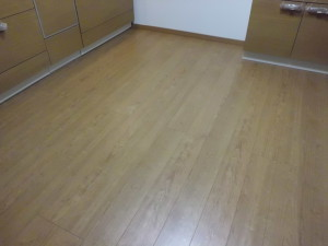 床材:エポルカフロア/ブランディチェリー